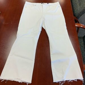Scoop White Crop Flare Raw Hem Jeans sz 20